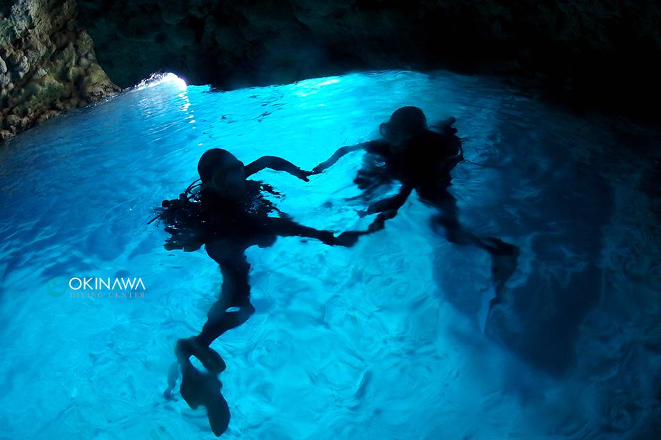青の洞窟で水面ハート!